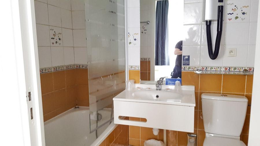 Salle de bain dans les chambres standard