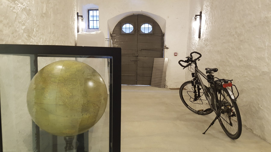 Hôtel de la Villeon - emplacement pour vélos